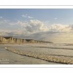 les falaises dans les embruns à Ault