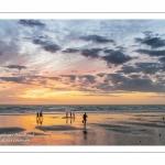 Les vacanciers à Ault sur la plage.