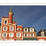 L'hotel des Tourelles, emblème du Crotoy et de la baie de Somme avec ses petites tours