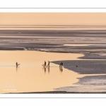 Crépuscule depuis le panorama sur la baie de Somme au Crotoy et pêcheurs de crevettes au haveneau