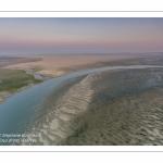 Survol de la Baie d'Authie depuis Fort-Mahon à marée basse.