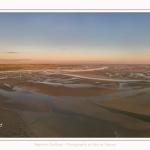 Saison : été - Lieu : Le Crotoy, Baie de Somme, Somme, Hauts-de-France, France. Panorama par assemblage d'images 6908 x 3454 px