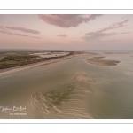 Survol de la baie de Somme au niveau du Hourdel