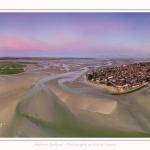 Saison : été - Lieu : Le Crotoy, Baie de Somme, Somme, Hauts-de-France, France. Panoramique par assemblage d'images 7809 x 3905 px