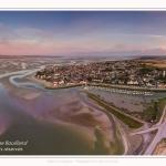 Saison : été - Lieu : Le Crotoy, Baie de Somme, Somme, Hauts-de-France, France. Panoramique par assemblage d'images 5902 x 3934 px