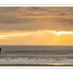 Paddle le long de la plage de Fort-Mahon au crépuscule