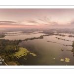 Les marais de la Somme à Long au petit matin.
