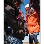 Balade nature à destination des enfants pour découvrir la faune et la flore de la baie de Somme. La guide nature présente la corophie, petite crevette qui sert de nourriture aux oiseaux. Saison : Printemps - Lieu : Plages de la Maye, Le Crotoy, Baie de Somme, Somme, Picardie, France. Animée par : Sébastien Roche et Delphine Bontemps (tel : 0624151969, mail : delphine.bontemps60@gmail.fr)