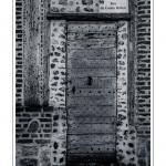 Porte ancienne - Saison : été - Lieu : Saint-Valery-sur-Somme, Baie de Somme, Somme, Picardie, France.