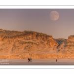 Lever de lune sur les dunes