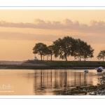 Lever de soleil sur le chenal de la Somme à marée basse