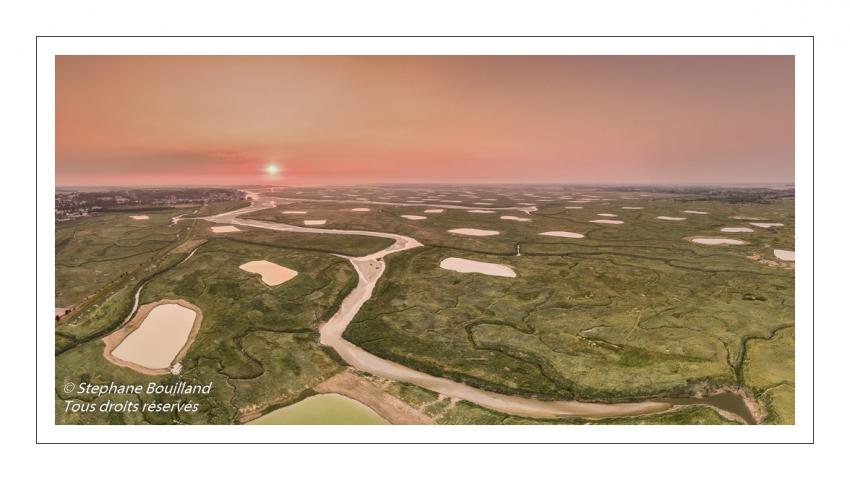 Survol de la Baie de Somme près de Saint-Valery-sur-Somme (Cap Hornu) à l'aube