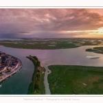 Saison : été - Lieu : Saint-Valery-sur-Somme, Baie de Somme, Somme, Hauts-de-France, France. - Panorama par assemblage d'images 6562 x 3281 px