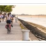 France, Somme (80), Baie de Somme, Saint-Valery-sur-Somme, la promenade  le long des quais de la Somme est des plus agréables, à pied ou à vélo // France, Somme (80), Baie de Somme, Saint-Valery-sur-Somme, the walk along the quays of the Somme is very pleasant, on foot or by bike.